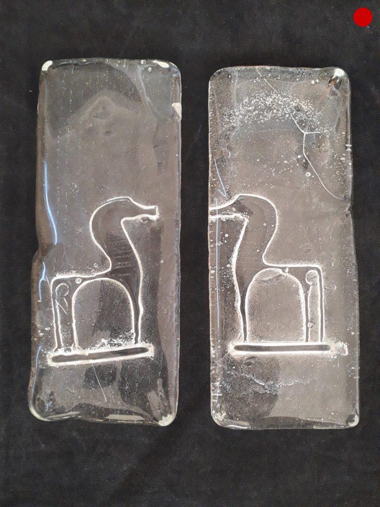 """Daphne Kerber, """"o.T."""", Glas (Sandguß, geschliffen, poliert), 18 x 8 x 2 cm, verkauft"""
