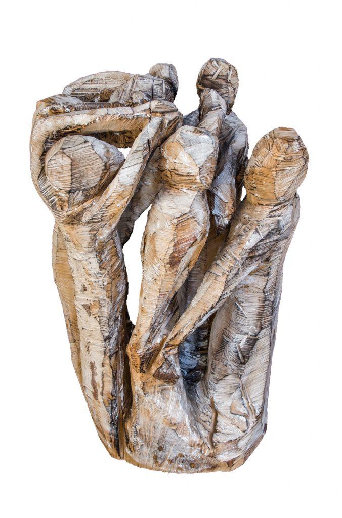 """Jolanta Switajski, """"Lass die Kinder spielen"""", Eiche (Motorsägearbeit, geflammt und gekalkt), 90 x 60 x 55 cm, 3200 EUR"""